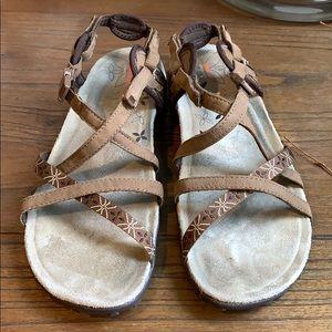 Merrell Sandspur outdoor walking Sandals size 10